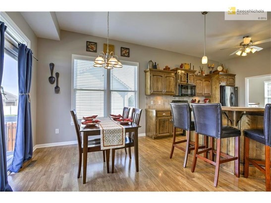 2107 Nw Rosewood Drive, Grain Valley, MO - USA (photo 5)