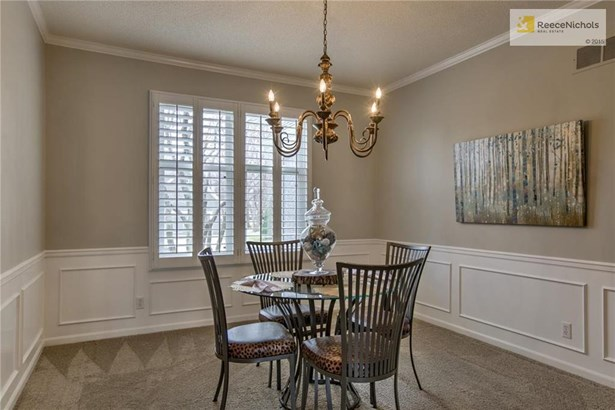 Super Chic Dining Room! (photo 4)
