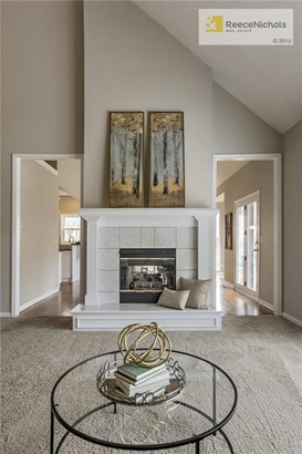 Great Room with See Thru Fireplace into Hearth Room! (photo 5)