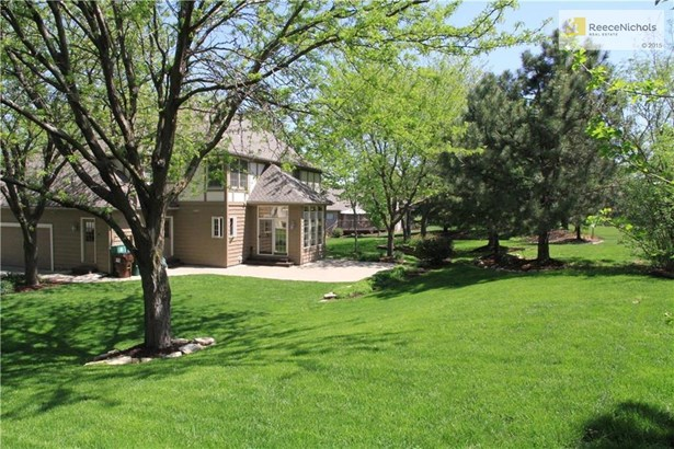 4505 Cherry Hills Drive, Lawrence, KS - USA (photo 3)
