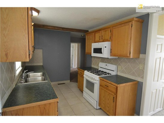 Updated Kitchen with New Appliances (photo 2)