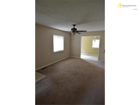 Large Open Living Room (photo 4)