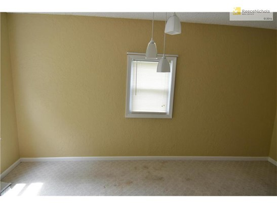 Dining Room off Kitchen and Living Room (photo 5)