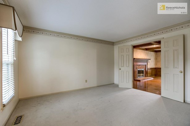 Formal living room or future study and/or music room. (photo 4)