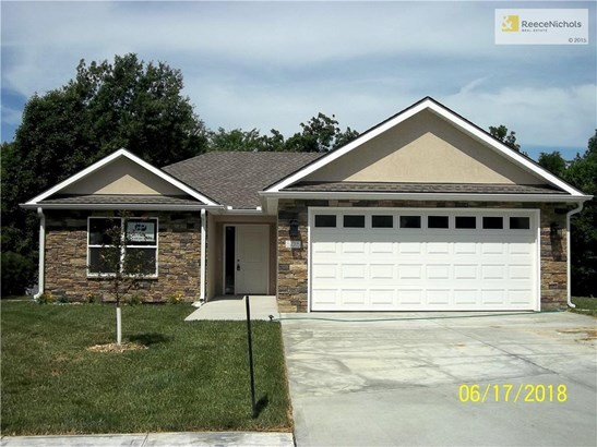 805 Christopher Drive, Pleasant Hill, MO - USA (photo 2)
