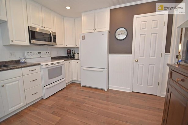 Lots of storage in the replacement cabinets and an extra-deep walk-in pantry! (photo 5)