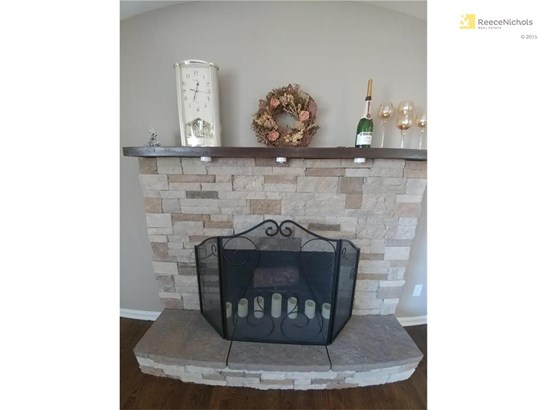 Beautiful! One of two fireplaces. (photo 3)