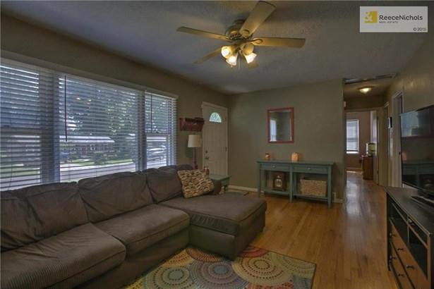 9208 Vaughn Avenue, Raytown, MO - USA (photo 5)
