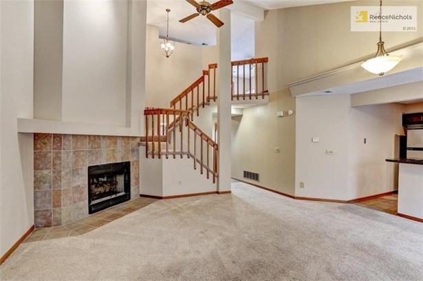 Great Room and Fireplace with Gas Lot (photo 3)