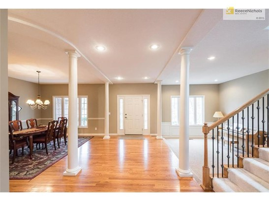Gorgeous, open entryway offers views into main-floor living spaces (photo 3)