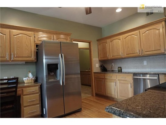 Additional view of the Kitchen. (photo 4)
