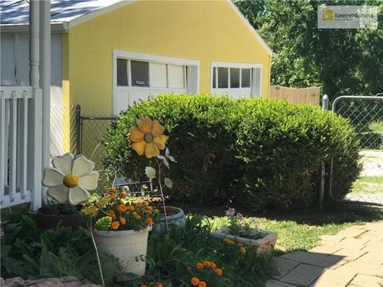 214 S 122nd Street, Bonner Springs, KS - USA (photo 2)