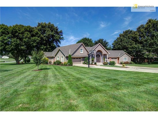 Spacious home on acreage.  Lots of room inside and out! (photo 1)