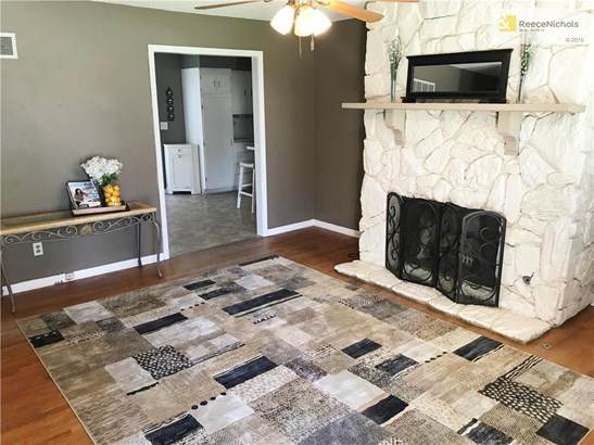 Family Room with Gas Start Fireplace (photo 2)