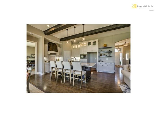 Photos are of another model home of Bryant Ratliffs - Can you believe this kitchen? (photo 4)