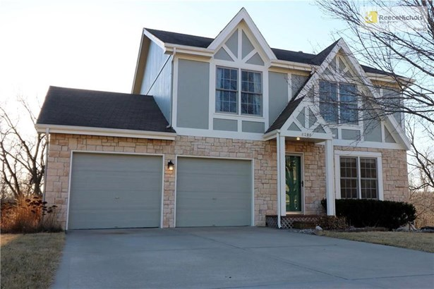 Welcome home with stone and wood trim. Curb appeal! (photo 1)
