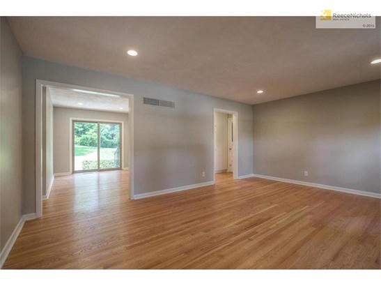 8945 Conser Drive, Overland Park, KS - USA (photo 4)