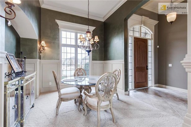 Formal Dining Room with subtle, exquisite faux finishes (photo 5)