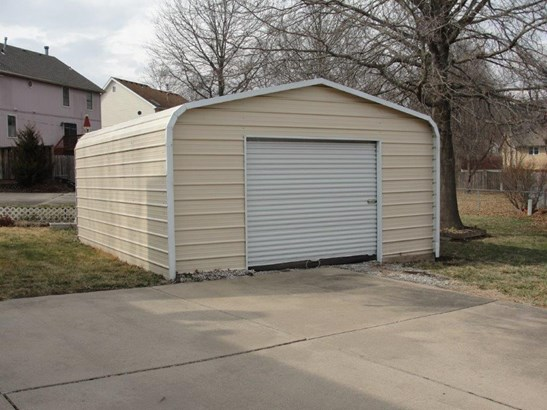 Storage shed (photo 4)