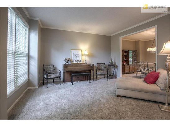Formal sitting room could also be perfect for music or playroom! (photo 5)
