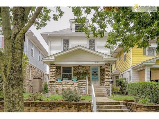 Beautifully maintained 2-story in an incredibly convenient location. (photo 1)