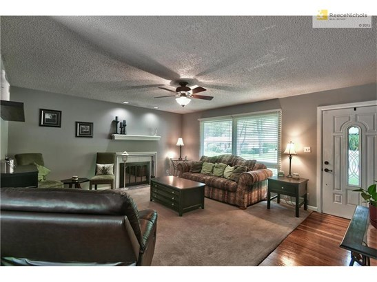 7138 Conser Street, Overland Park, KS - USA (photo 2)