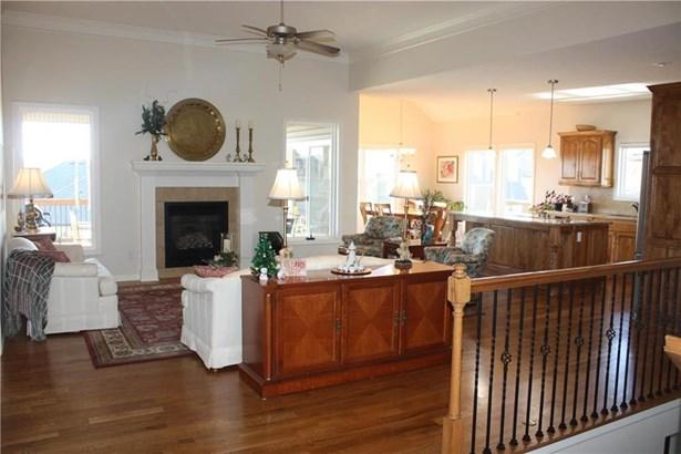 Great room (photo 3)