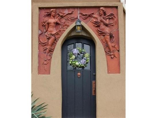 Beautiful Front Door (photo 2)