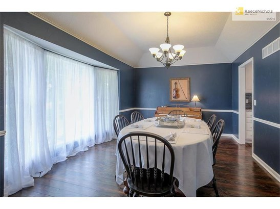 Spacious dining room with plenty of room for other uses. (photo 3)