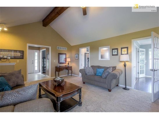 Great room with access to kitchen and sunroom...great for entertaining! (photo 5)