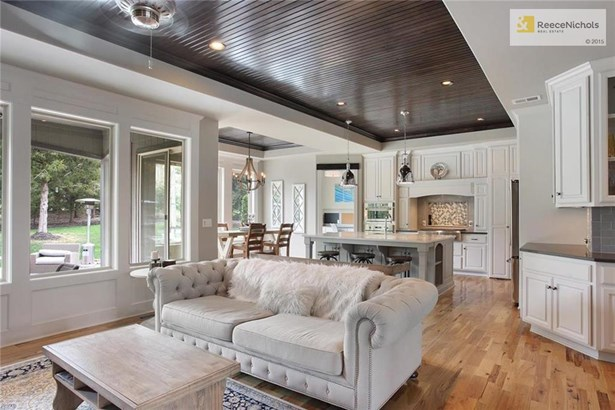 Great Open Plan With Custom Wood Ceiling (photo 4)