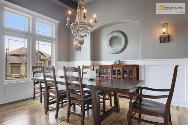 Large Formal Dining With Nook For Hutch Or Buffet (photo 5)