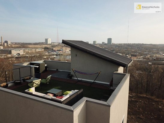 Rooftop southern views... (photo 5)