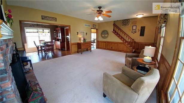 Living room opens to dining room and kitchen area is perfect for entertaining your guests. (photo 4)