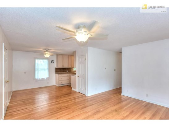 Beautiful Wood floors throughout the home! (photo 3)