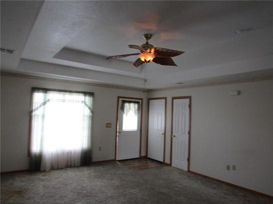 615 Meadowbrook Court, Wellsville, KS - USA (photo 5)