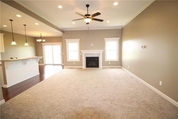 Great Room, Gas Fireplace (photo 4)