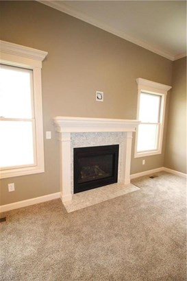Open Floor Plan, Great for Entertaining! (photo 5)
