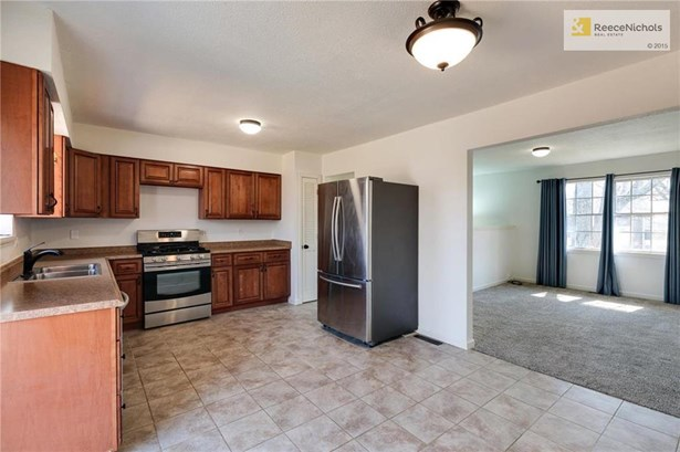 1212 Nw Golfview Drive, Grain Valley, MO - USA (photo 5)