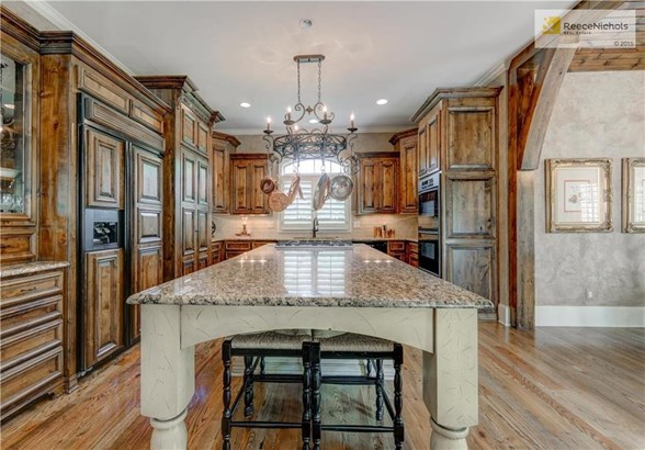 Tons of cabinets in this kitchen and large pantry and the perfect island (photo 3)