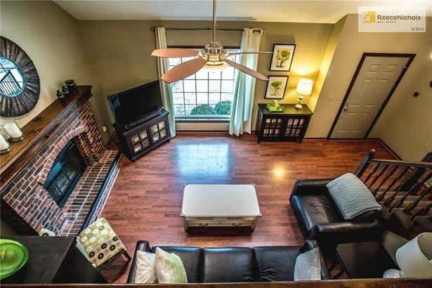 Great Room Main Level (photo 5)