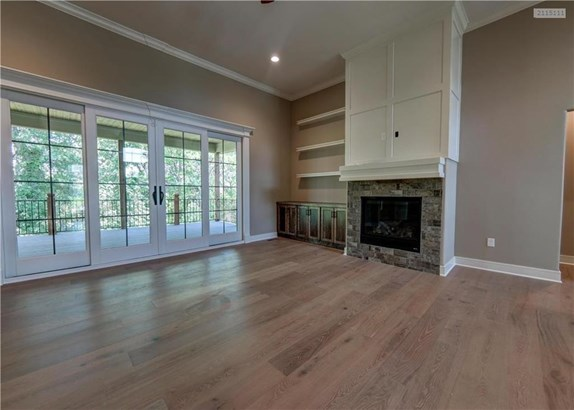 Large converging slider doors off great room (photo 4)