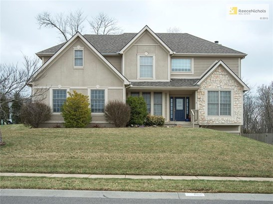 Fantastic 2 Story at 9101 NW 86th Court in Brittany Woodscastle - great curb appeal on this corner lot. (photo 1)
