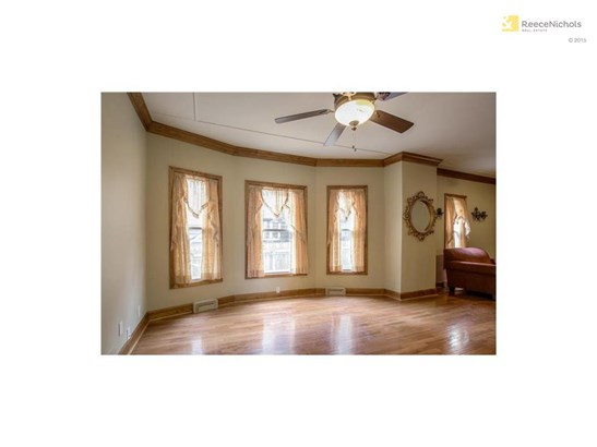 CROWN MOLDING IN LIVING ROOM & DINING ROOM (photo 1)