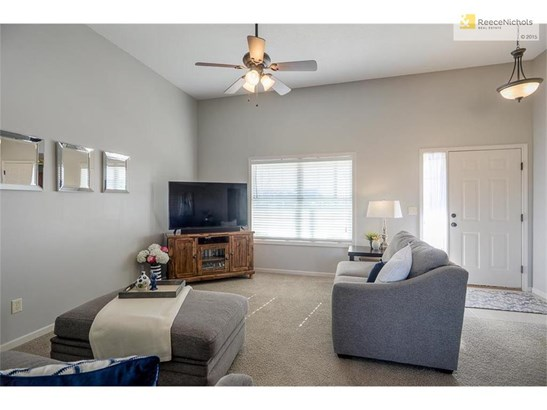 13716 Richland Avenue, Bonner Springs, KS - USA (photo 4)