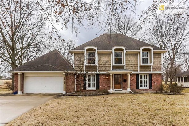 4 bedrooms, 2.5 bathrooms, 2 story, Wycliff subdivision, golf course lot, low-traffic street, great curb appeal! (photo 1)
