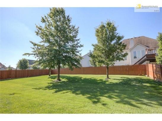 Fenced Back Yard (photo 3)