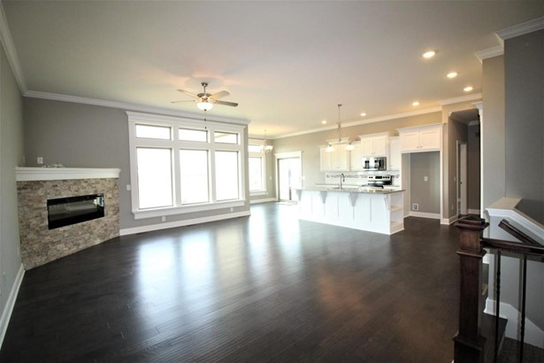 Great Room w/ Electric Fireplace (photo 4)
