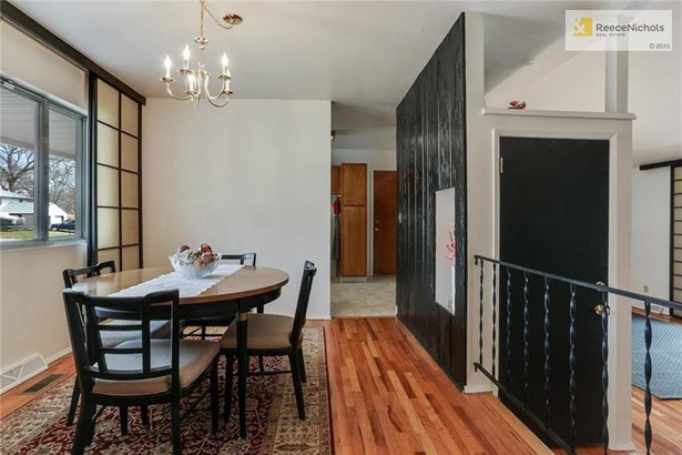 From Formal Dining Room to kitchen (photo 5)