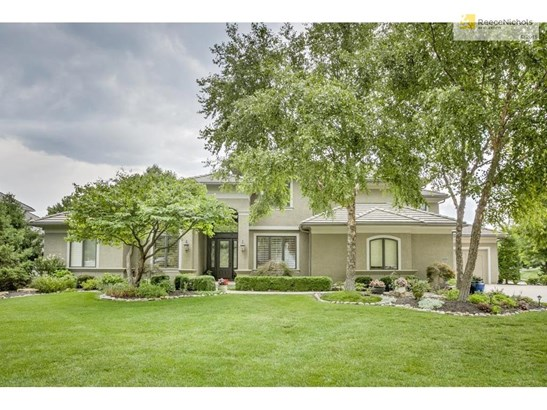 13802 Aberdeen Street, Leawood, KS - USA (photo 1)